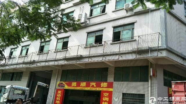 卢边村2楼出租850平方有电梯现成制衣线路绣花玩具行业