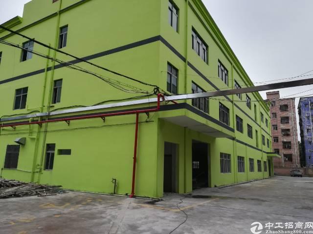 观澜高速路口村委独门独院厂房5200平大小可分租