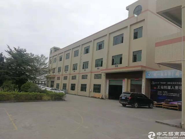 公明将石4200平方独门独院三层厂房出租