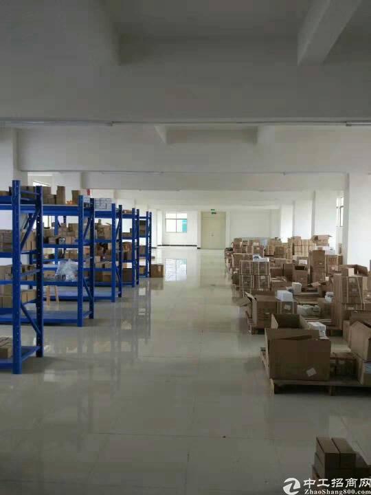虎门镇怀德村工业区楼上整层780平米,租金9000一个月,带