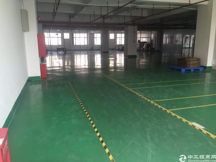 沙井后亭地铁口新出楼上厂房全新厂房1750平带装修无需转让费
