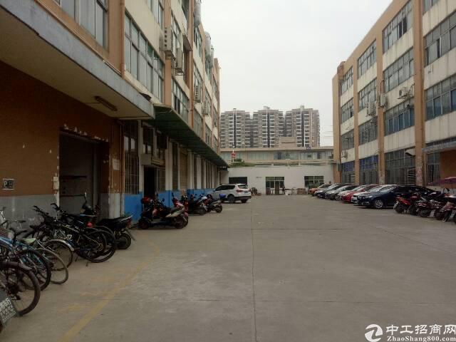 沙井大王山靠近新天虹附近新出楼上1200平米,租金20全包