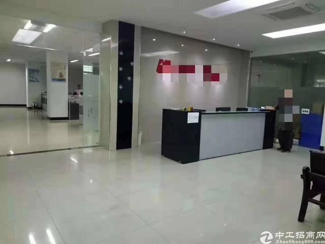 坂田高新产业园新出带装修880平方厂房