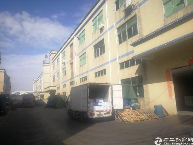 福永和平独栋厂房3层6600平方厂房出租