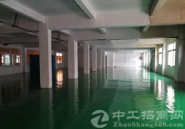 凤岗新出二楼900平米带地坪漆带办公室标准厂房