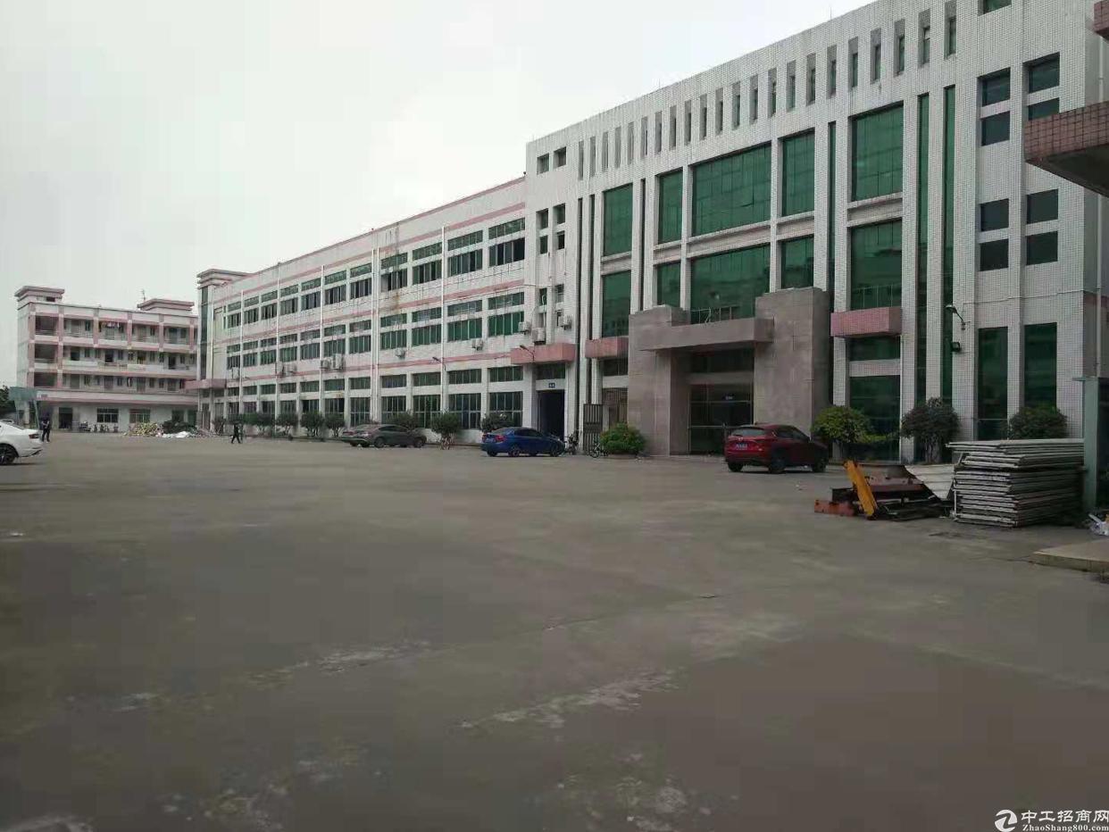 沙井共和大型工业园区一二楼厂房5000平出租