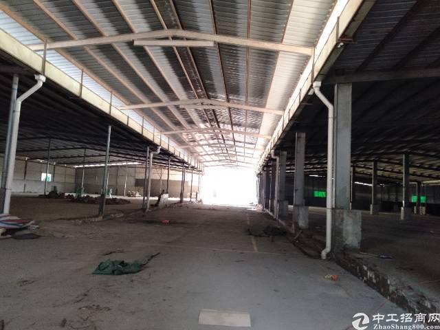西丽靠石岩松白路附近新出单一层钢构厂房出租