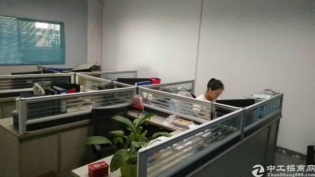 福永新和新出楼上1200平带装修厂房