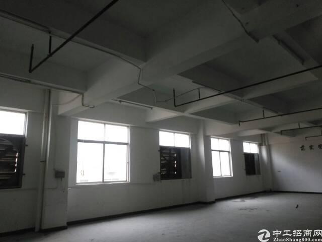 福永沿江高速口带红本厂房出租小到二百大到二千