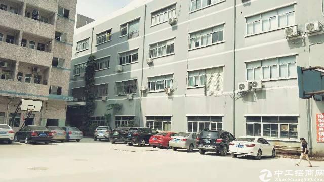 龙城广场地铁口680平880平原房东带装修厂房招租