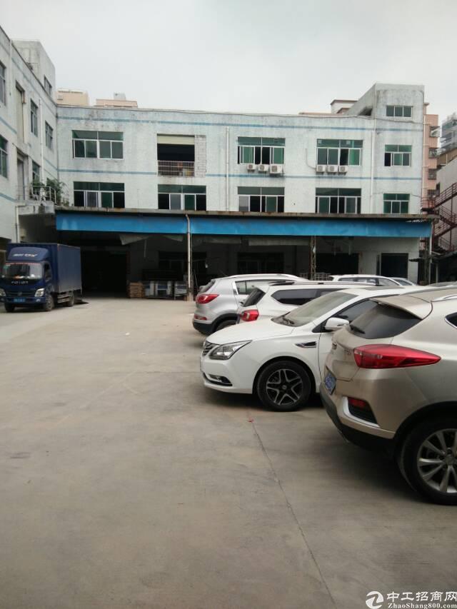 公明街道上村二楼900平米的厂房出租