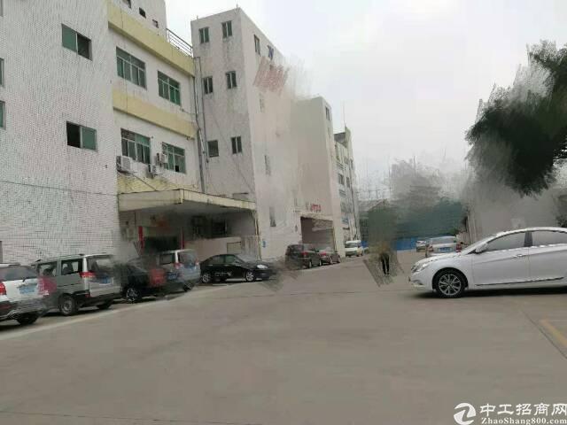 长安镇乌沙新出独门独院楼上一整层3500平方可以做喷油行业厂