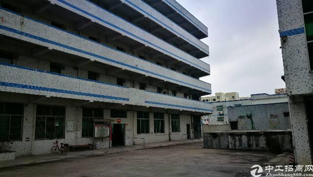 大田洋独门独院厂房,楼上900平方出租。