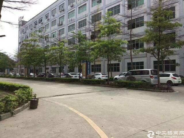 平湖清平富安高速辅城坳原房东一楼1000平方米原业主招租