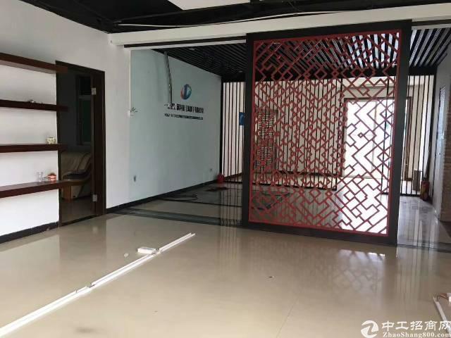 龙岗龙城广场地铁口写字楼16楼原房东168平出租