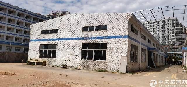 观澜梅观高速口新出独门独院空地大厂房出租