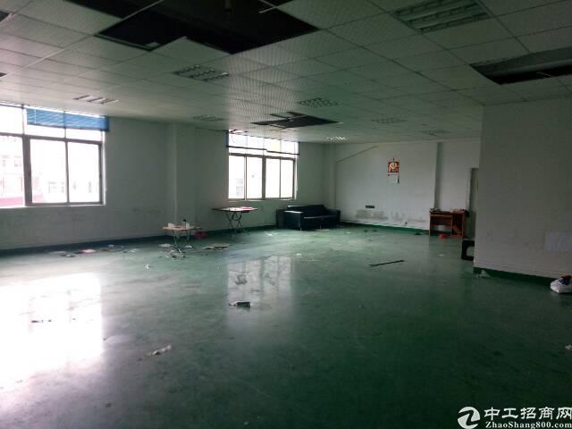 坂田上雪工业区空出楼上厂房800平