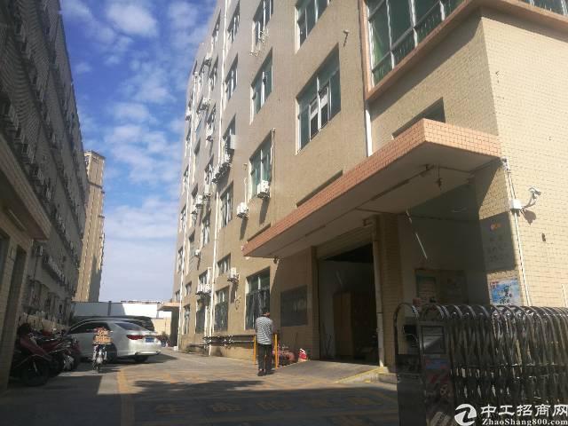 西乡宝田工业区楼上整层1100平米带装修出租