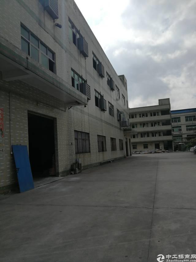 平湖华南城旁独院标准厂房6000干出租