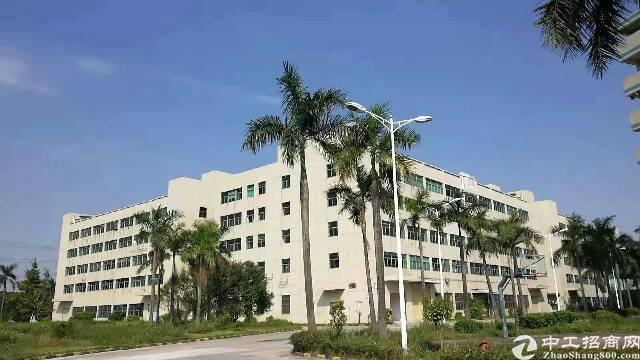 石岩南光新出独院厂房带卸货平台9千到3万平米厂房出租