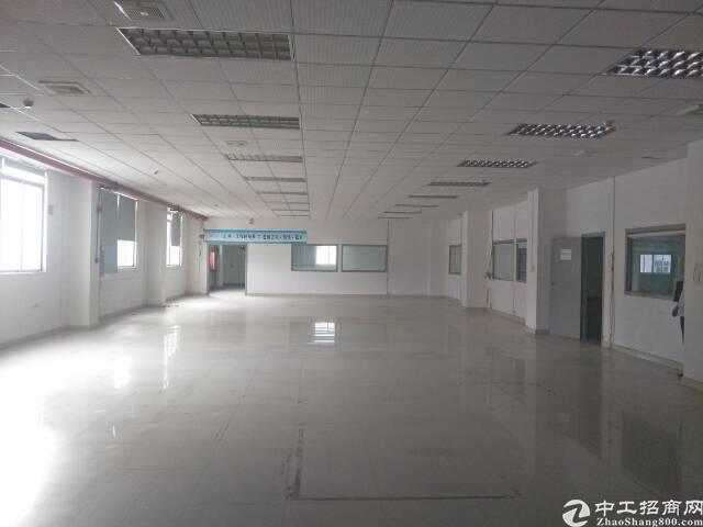 龙华福龙路出口、龙胜、上塘地铁口龙军工业区仓库整层2300平