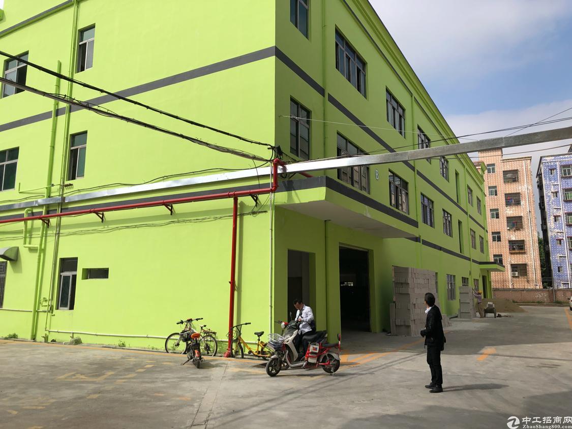 观澜黎光泗黎路旁工业园厂房三楼1450平方米出租