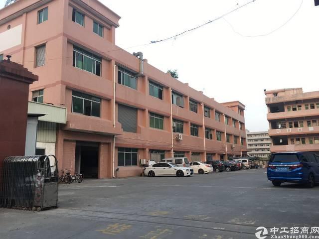 寮步镇独院厂房分租一楼2000平方