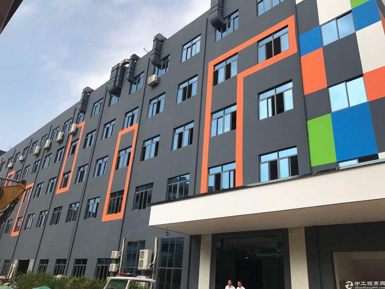 福永地铁口附近新出大小面积办公室600平精装修带办公家私