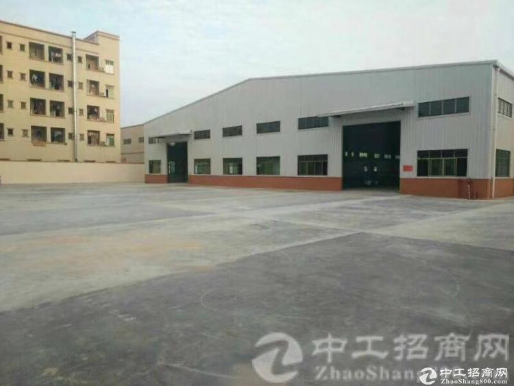 厚街镇南五村新建单一层8米高钢构2600平方带地坪漆可整可分