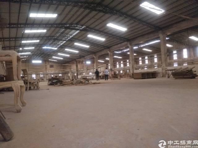 单一层独院厂房2500平米低价出租