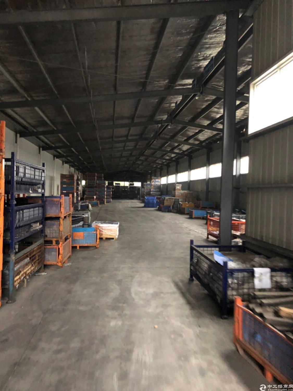 钢结构仓库出租,层高4-6米,大通间仓库!
