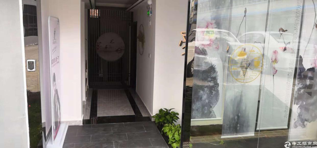 龙胜地铁站附近新出独栋小别墅,公司总部,办公首选