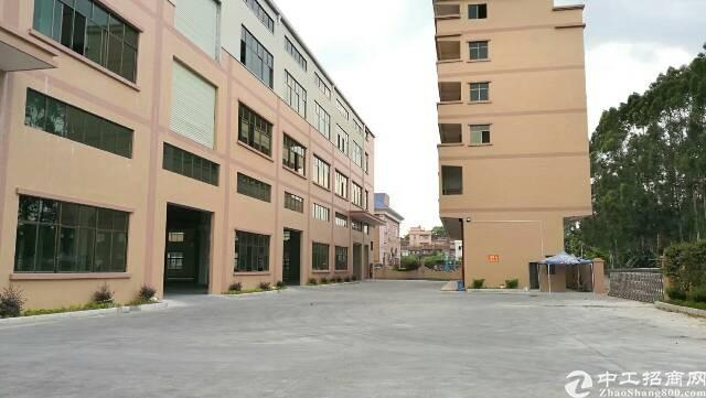 石排新出独门独院厂房出租!标准1-3层7000平方