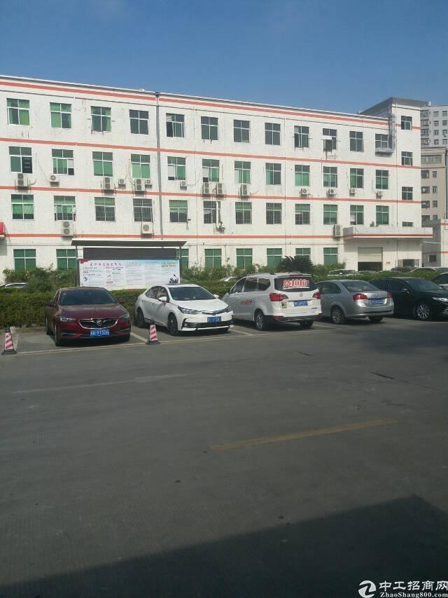 龙华汽车站旁二楼整层1600平出租