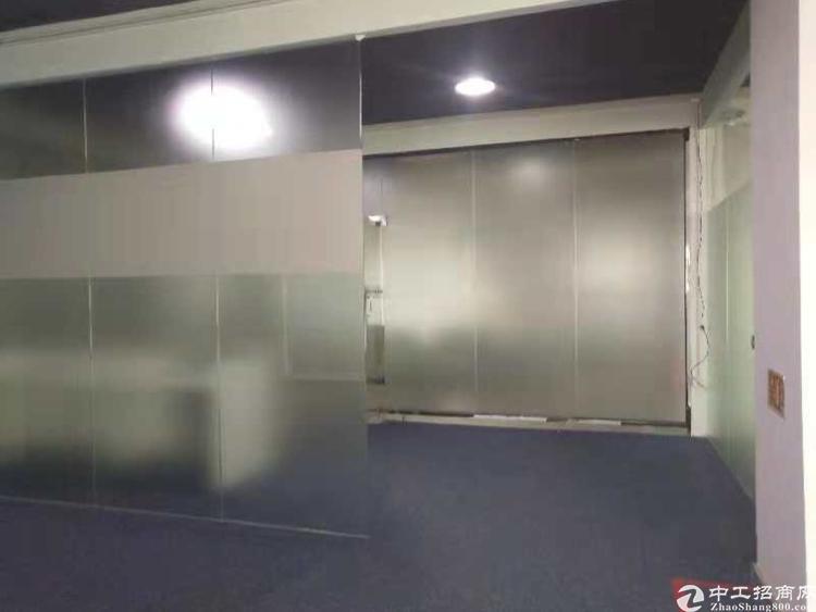 龙胜地铁站附近98平豪华装修办公室低价转让