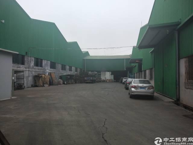 清溪靠凤岗深圳单一层钢构厂房1380平方,滴水8米带3吨行车