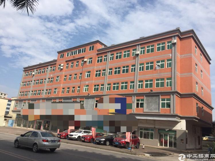 黄江镇中心区交通方便80个停车位