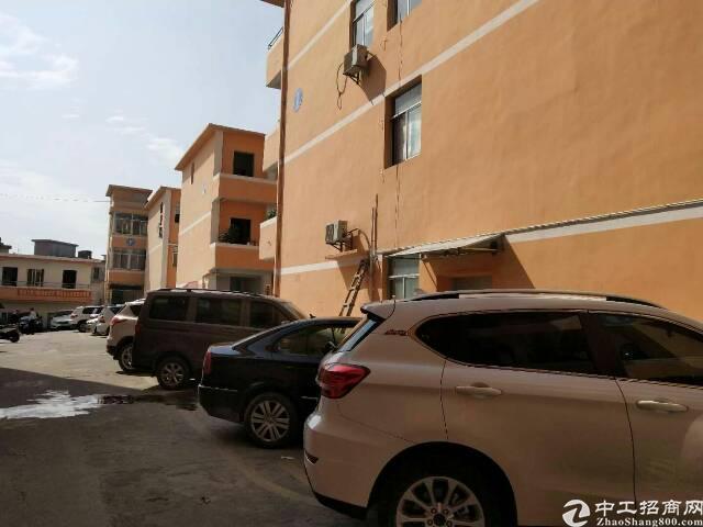松岗107国道边楼上一整层750平方厂房招租