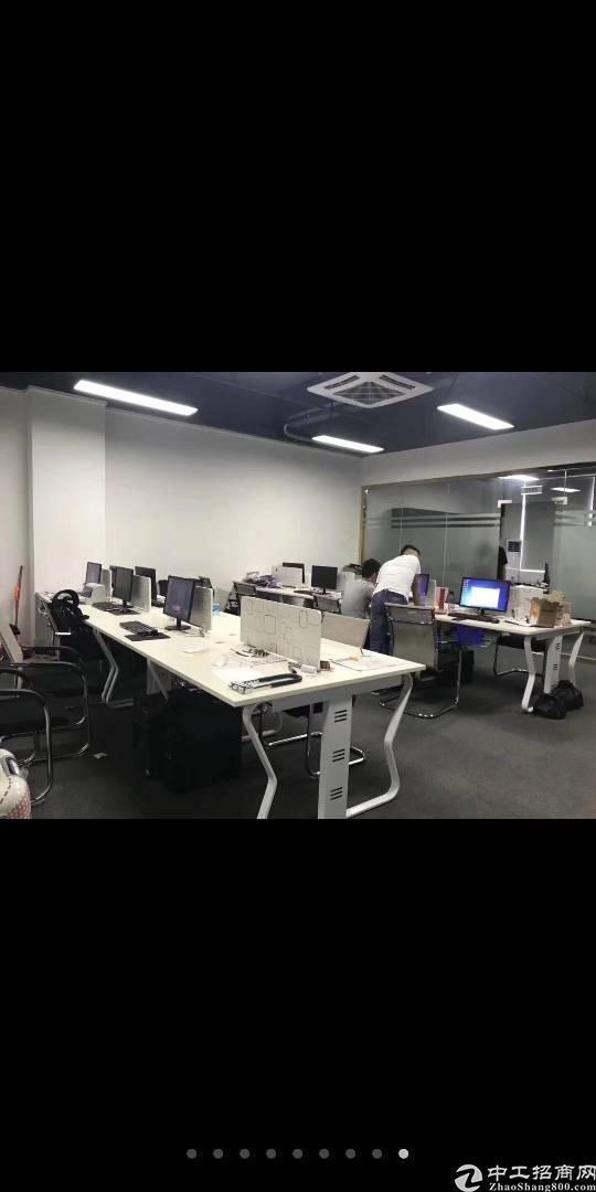 布吉丹竹头地铁旁出2000平办公仓库,最小116平起租