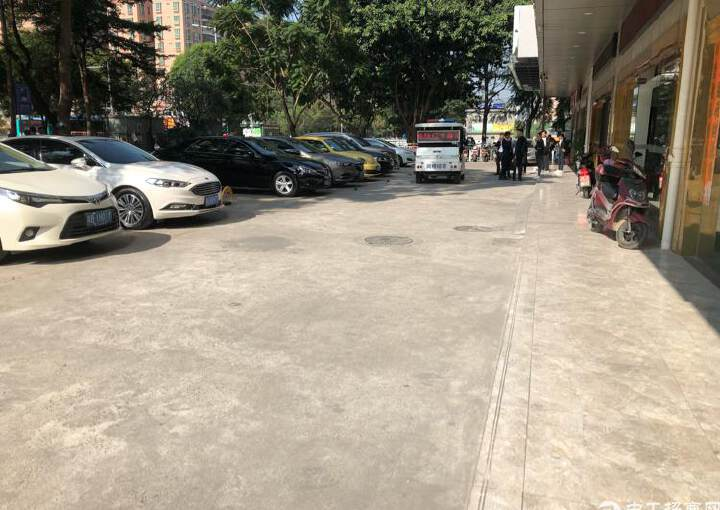 宝安中心区新出一楼1000平米汽车展厅招租图片3