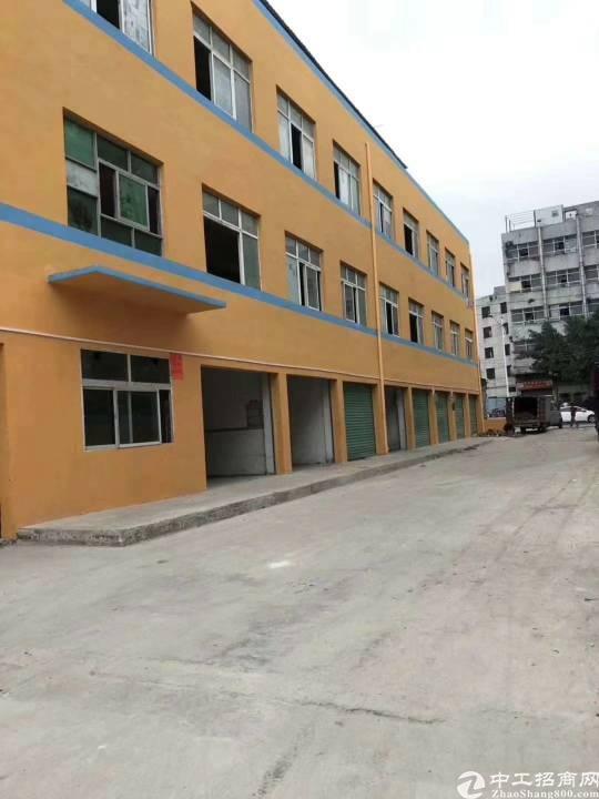 公明独门独院,共三层厂房招租,每层1000平方米,外墙翻新,