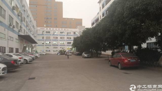 龙岗 宝龙工业区原房东独院红本厂房12800平方出租!