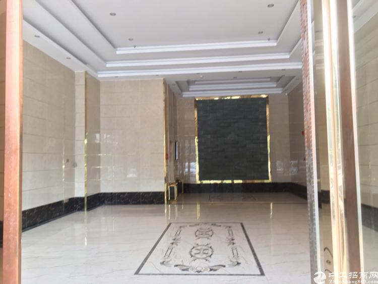 福永桥头地铁口精装修写字楼73平方小面积带隔间