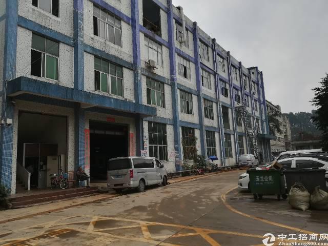 松岗燕川广田路边现成水电、装修楼上850平米标准厂房!