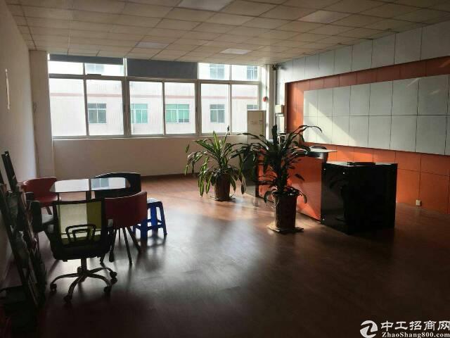 公明上村3楼2000平米带装修厂房出租