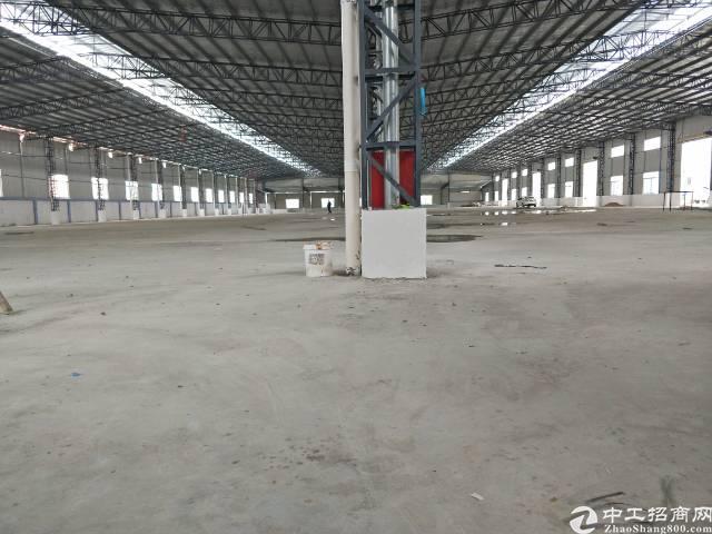凤岗雁田靠近海关算全新钢构厂房