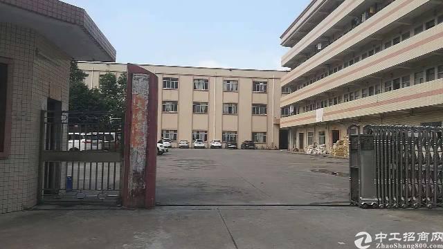 虎门镇怀德实业客分租1-2F各2000平方现成装修