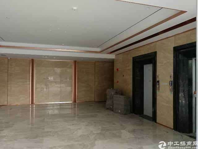 宝安西乡地铁口100平米精装办公写字楼出租