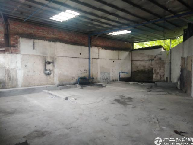 广州新塘银沙大道边铁皮出租