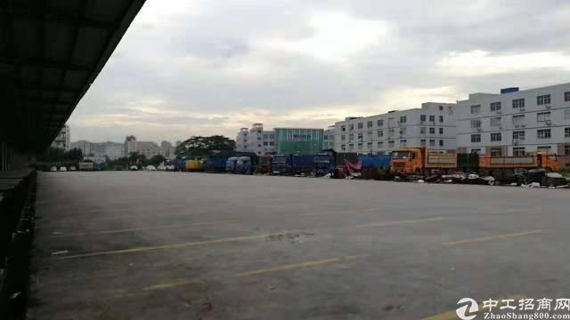 观澜9000平米钢构物流仓库招租,带卸货平台,可整租可分租!